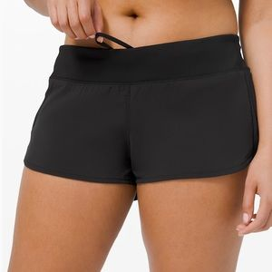 NWT Lululemon Speed Short 2.5 sz 6